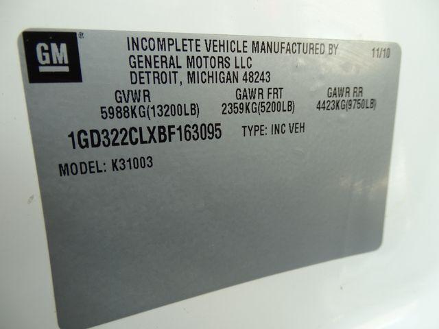 2011 GMC Sierra 3500HD FLATBED Corpus Christi, Texas 31
