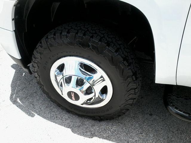 2011 GMC Sierra 3500HD Denali DRW  6.6 San Antonio, Texas 34