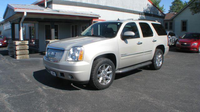 2011 GMC Yukon Denali 4d SUV 4WD Denali