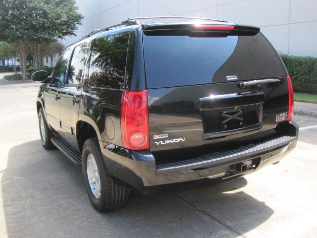 2011 GMC Yukon SLT 4x4, Roof, Quads, X/Nice, Must See in Plano Texas, 75074