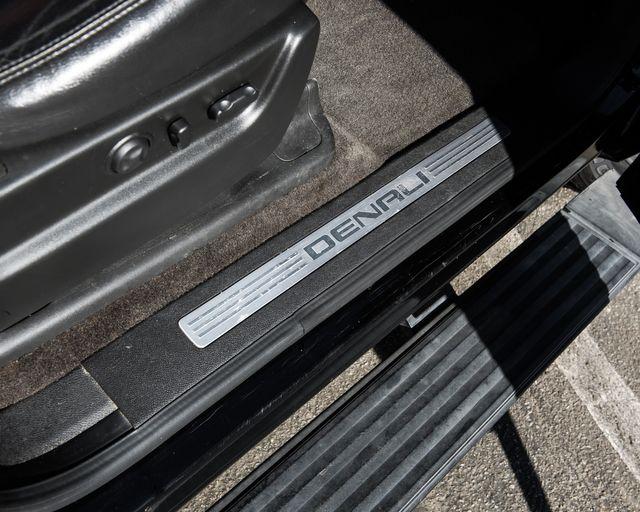 2011 GMC Yukon XL Denali Burbank, CA 27