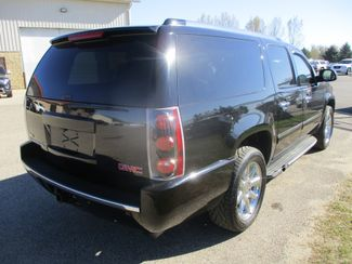 2011 GMC Yukon XL Denali Farmington, MN 1