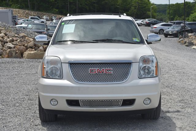 2011 GMC Yukon XL Denali Naugatuck, Connecticut 7