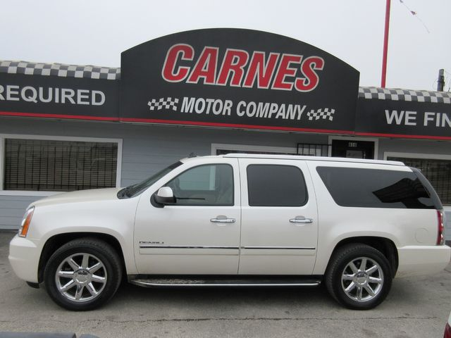 2011 GMC Yukon XL Denali south houston, TX 1
