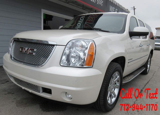 2011 GMC Yukon XL Denali south houston, TX