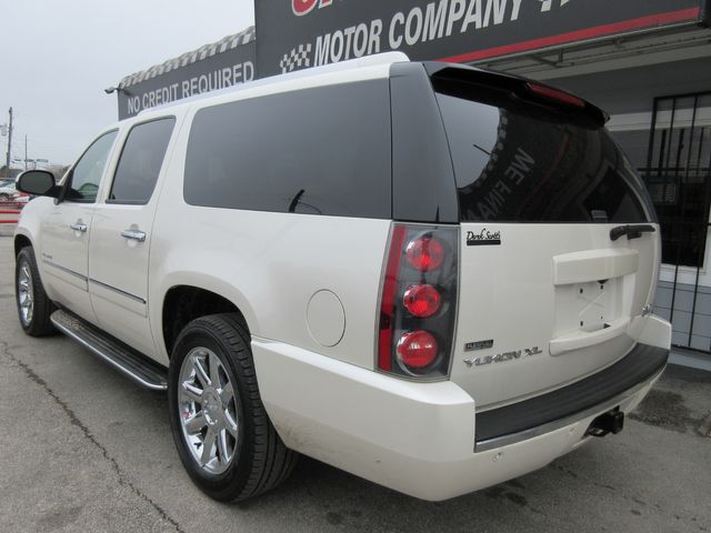 2011 GMC Yukon XL Denali south houston, TX 2