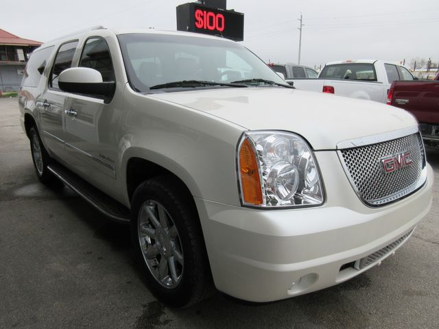 2011 GMC Yukon XL Denali south houston, TX 4