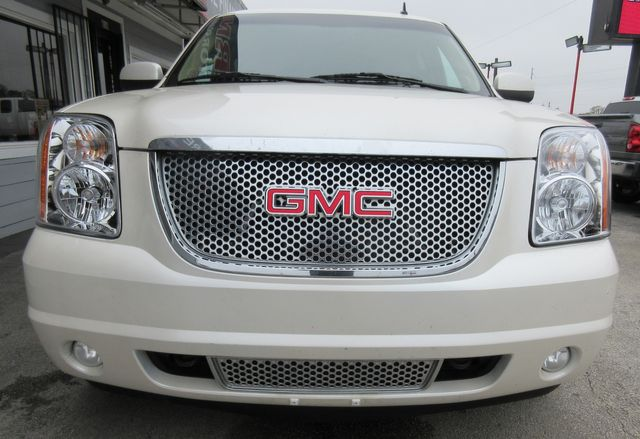 2011 GMC Yukon XL Denali south houston, TX 5