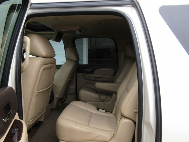 2011 GMC Yukon XL Denali south houston, TX 8