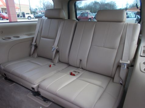 2011 GMC Yukon XL SLT   Gilmer, TX   Win Auto Center, LLC in Gilmer, TX