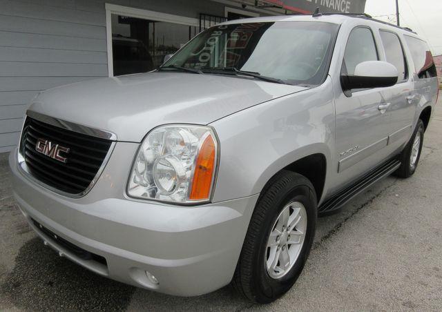 2011 GMC Yukon XL SLT south houston, TX 1