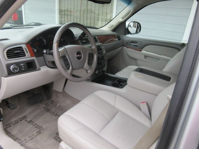 2011 GMC Yukon XL SLT south houston, TX 5