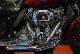 2011 Harley-Davidson CVO Ultra Classic Electra Glide FLHTCUSE6 Jackson, Georgia 4