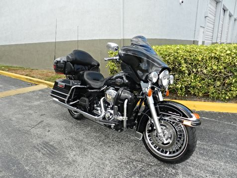 2011 Harley-Davidson Electra Glide Ultra Classic FLHTCU Low miles! Excellent Condition! **30 DAY WARRANTY! in Hollywood, Florida