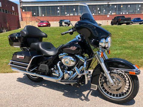 2011 Harley-Davidson FLHTC Electra Glide Classic in Oaks