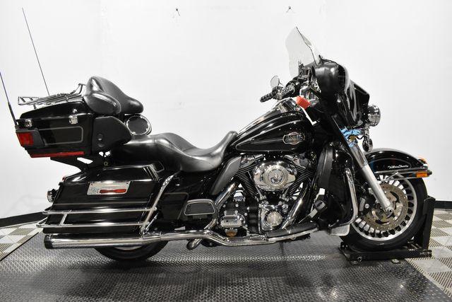 2011 Harley-Davidson FLHTCU - Electra Glide® Ultra Classic® in Carrollton, TX 75006