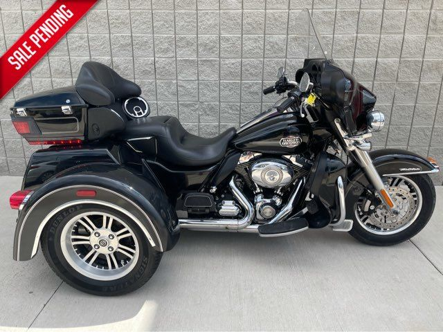 2011 Harley-Davidson FLHTCUTG Tri Glide Ultra