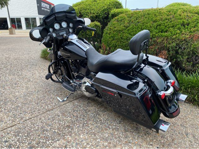 2011 Harley-Davidson FLHX Street Glide in McKinney, TX 75070