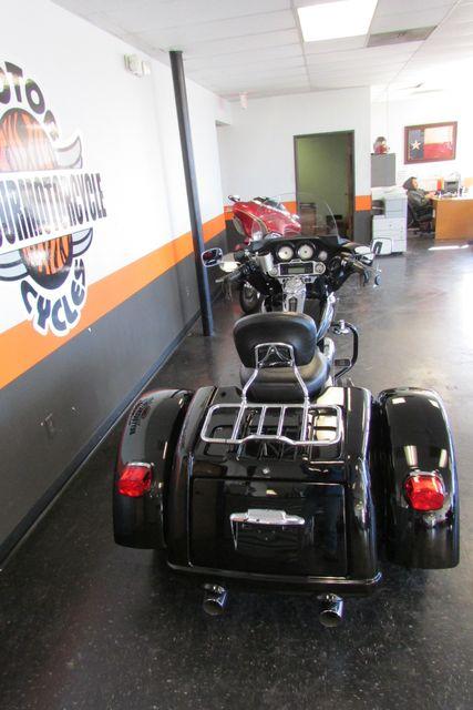 2011 Harley-Davidson Trike Street Glide® Arlington, Texas 9