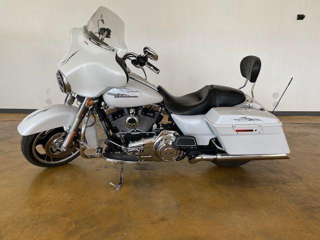 2011 Harley FLHXI Street Glide