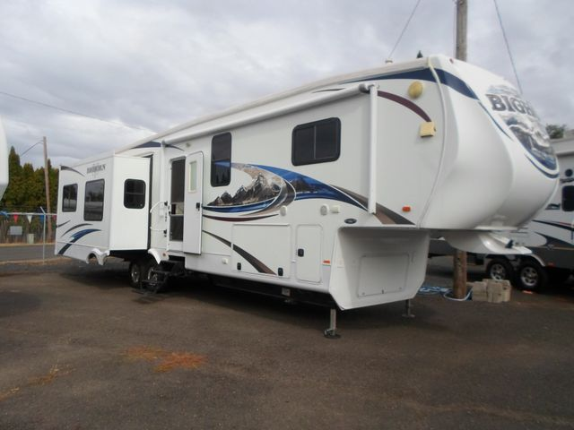 2011 Heartland Bighorn 3610RE Salem, Oregon 1