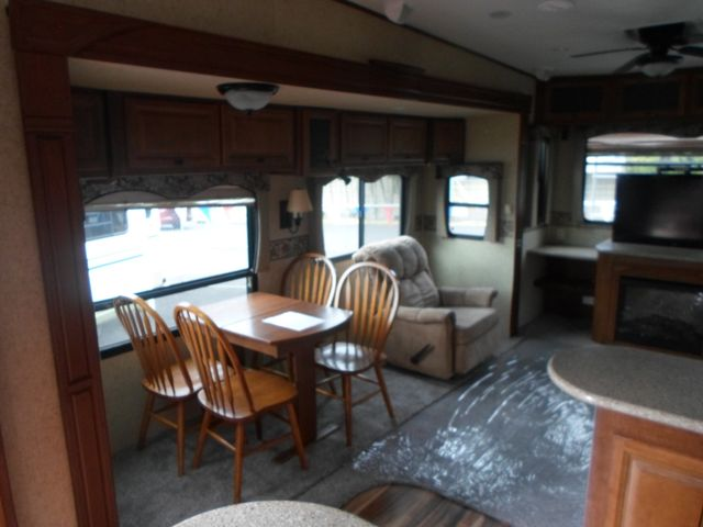 2011 Heartland Bighorn 3610RE Salem, Oregon 5