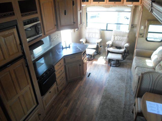 2011 Heartland Elk Ridge 29RLSB Salem, Oregon 3
