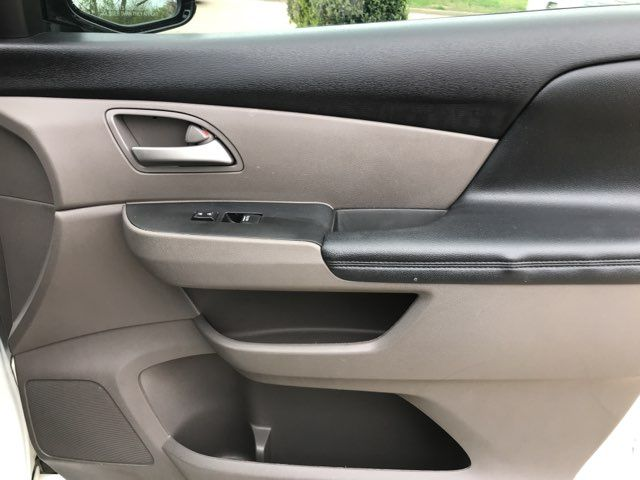 2011 Honda Odyssey Touring. ONE OWNER in Carrollton, TX 75006