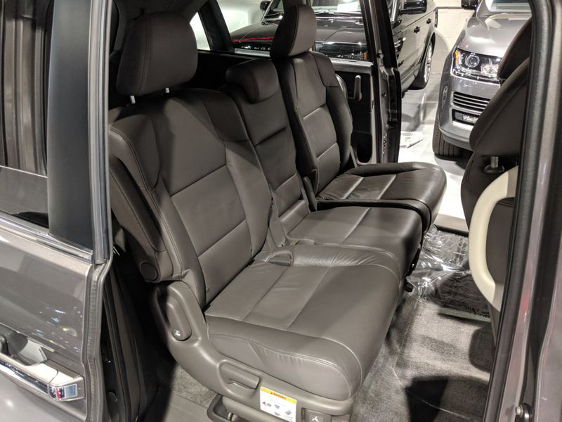 2011 Honda Odyssey EX-L  Lake Forest IL  Executive Motor Carz  in Lake Forest, IL