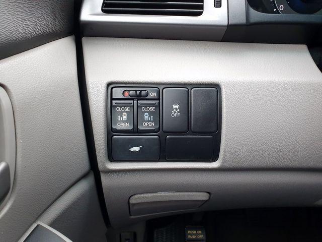 2011 Honda Odyssey EX-L w/DVD 8-Passenger in Louisville, TN 37777