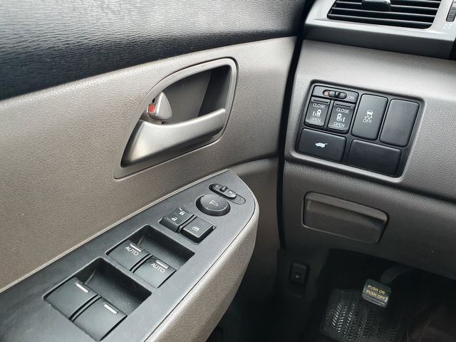 2011 Honda Odyssey EX-L 8-Passenger in Louisville, TN 37777
