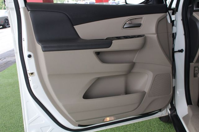 2011 Honda Odyssey EX-L W/ RES (REAR DVD ENTERTAINMENT) - SUNROOF! Mooresville , NC 50