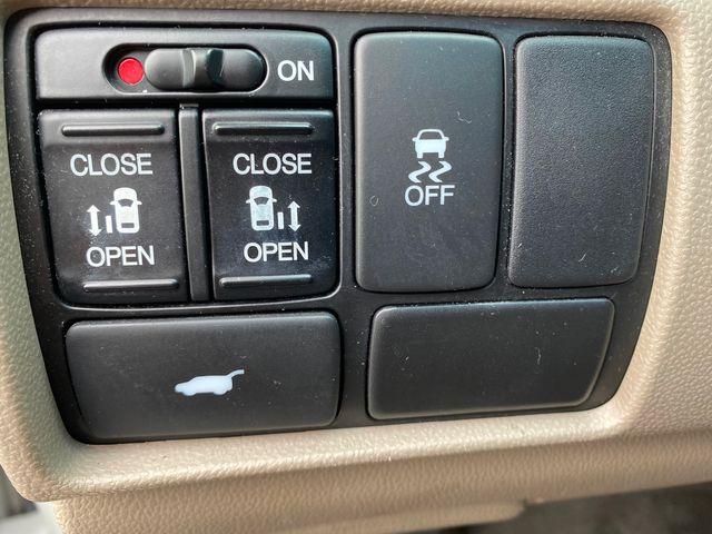 2011 Honda Odyssey EX-L New Brunswick, New Jersey 16
