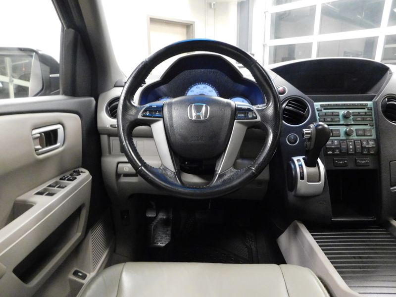 2011 Honda Pilot EX-L  city TN  Doug Justus Auto Center Inc  in Airport Motor Mile ( Metro Knoxville ), TN