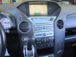 2011 Honda Pilot Touring Farmington, MN 3