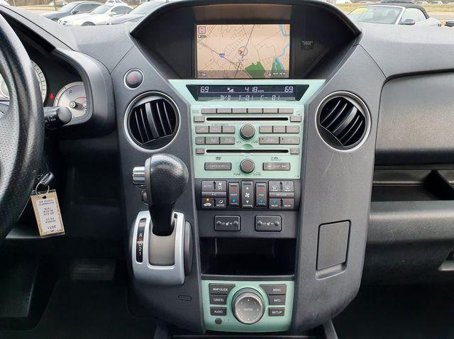 2011 Honda Pilot Touring FWD w/DVD in Louisville, TN 37777