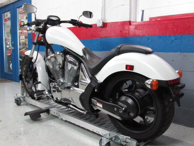 2011 Honda VT1300CXA Fury Clean Title in Dania Beach , Florida 33004