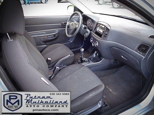 2011 Hyundai Accent 3-Door GL Chico, CA 10
