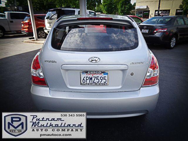 2011 Hyundai Accent 3-Door GL Chico, CA 5