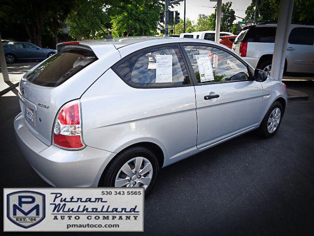 2011 Hyundai Accent 3-Door GL Chico, CA 6