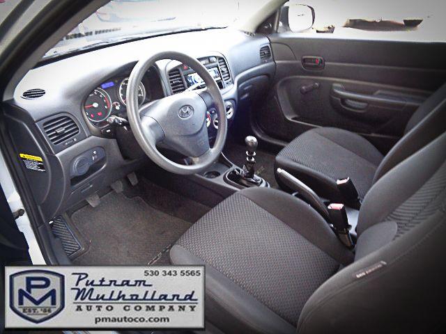 2011 Hyundai Accent 3-Door GL Chico, CA 8