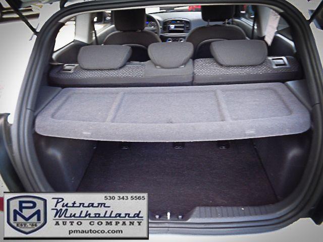 2011 Hyundai Accent 3-Door GL Chico, CA 9