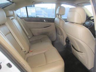 2011 Hyundai Genesis Gardena, California 12