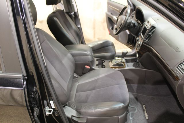 2011 Hyundai Santa Fe awd SE in Roscoe IL, 61073