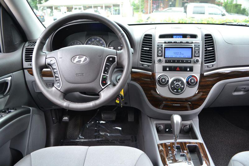 2011 Hyundai Santa Fe SE  city New  Father  Son Auto Corp   in Lynbrook, New