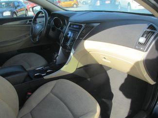 2011 Hyundai Sonata Hybrid Gardena, California 8