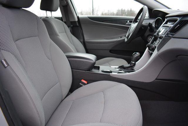 2011 Hyundai Sonata GLS PZEV Naugatuck, Connecticut 9
