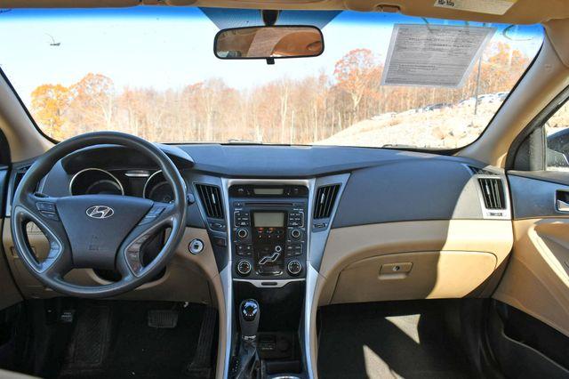 2011 Hyundai Sonata Hybrid Naugatuck, Connecticut 13