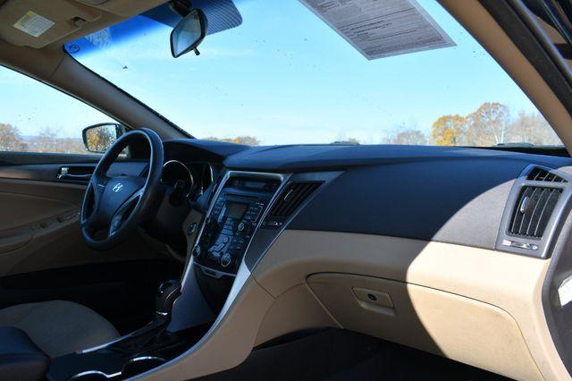 2011 Hyundai Sonata Hybrid Naugatuck, Connecticut 8