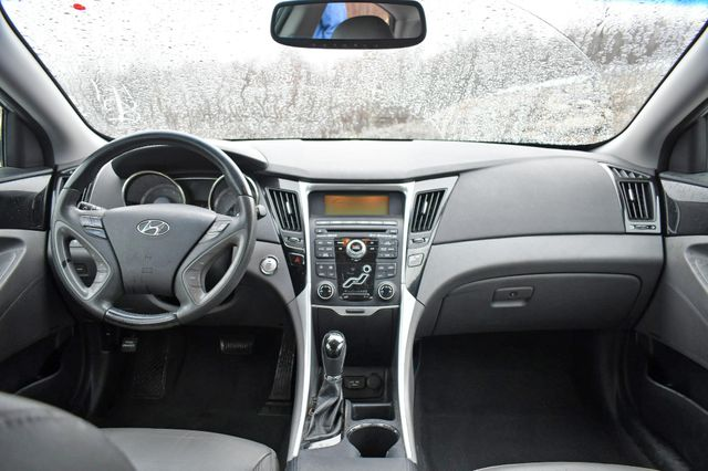 2011 Hyundai Sonata Ltd PZEV Naugatuck, Connecticut 14